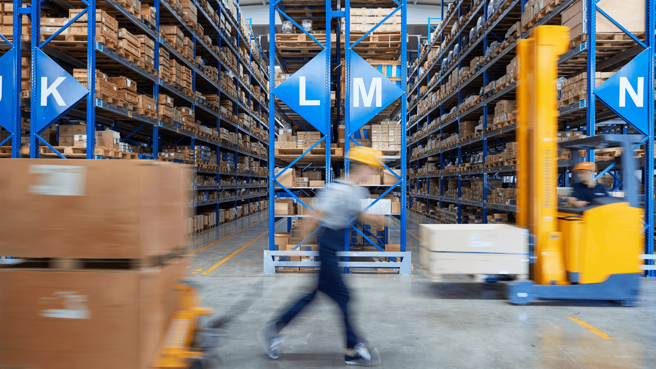 2 Logistics REITs Dividend Investors Can Buy